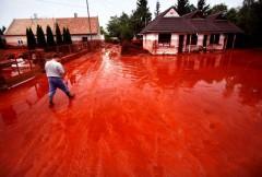 Boue rouge Hongrie.jpg