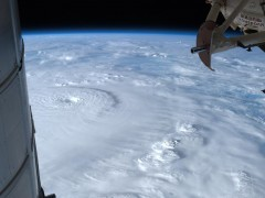 710946main_typhoon_bopha_1600_946-710.jpg