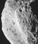 la-lune-de-saturne-hyperion-a-ete-decouvert-le-16-septembre-1848-par-william-cranch-bond-et-son-fils-credits-nasa-jpl-caltech-space-science-institute_32741_w460.jpg