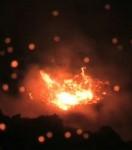 flammes-apres-la-chute-de-la-pretendue-meteorite_8244_w560.jpg
